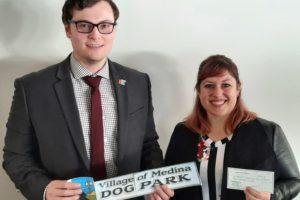 Medina Rotary Donates to Friends of Medina Dog Park